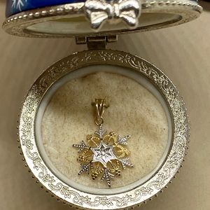 Jewelry - 14 K Yellow & White Gold Snowflake Charm Pendent